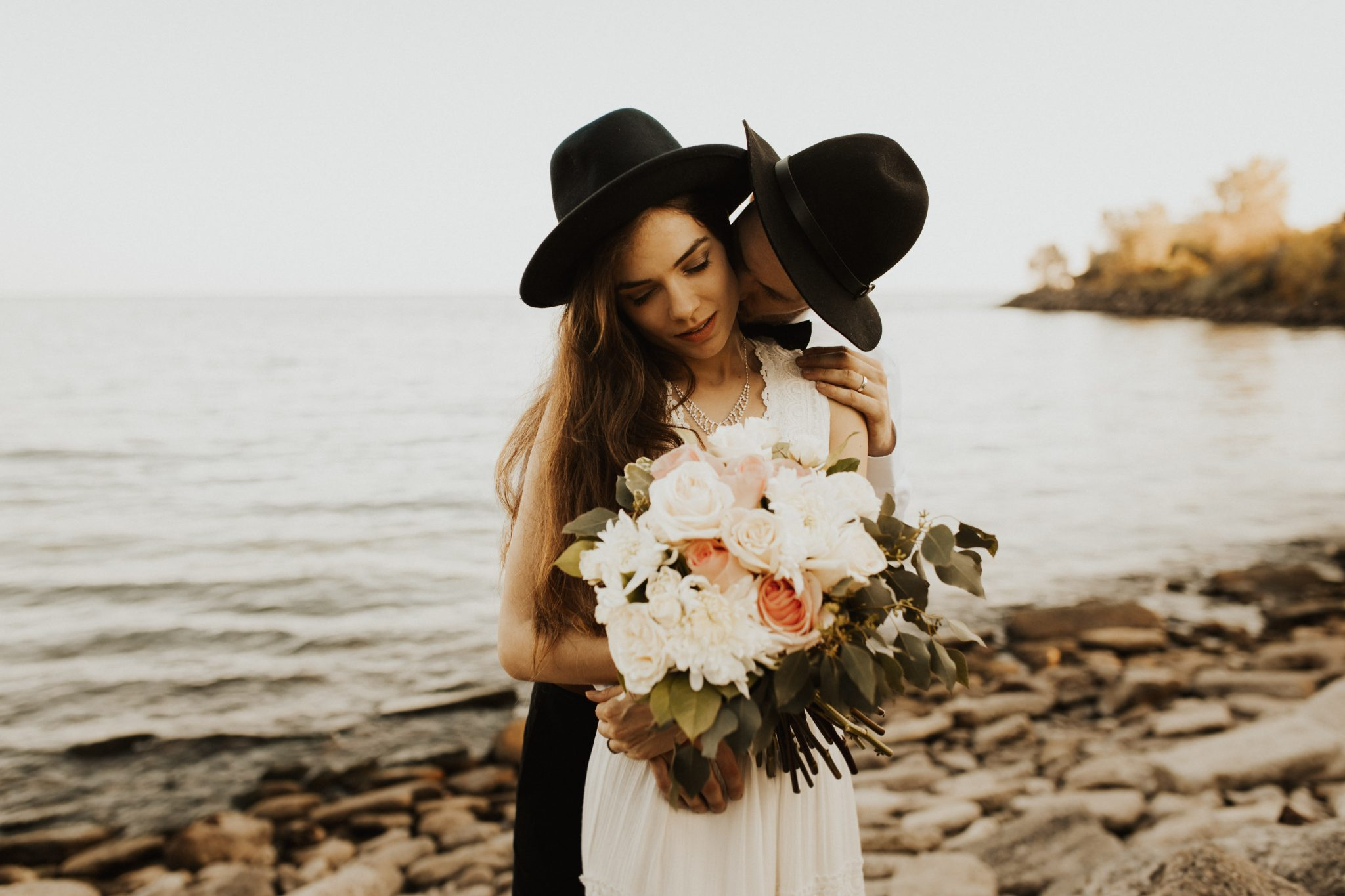 toronto intimate wedding photographer