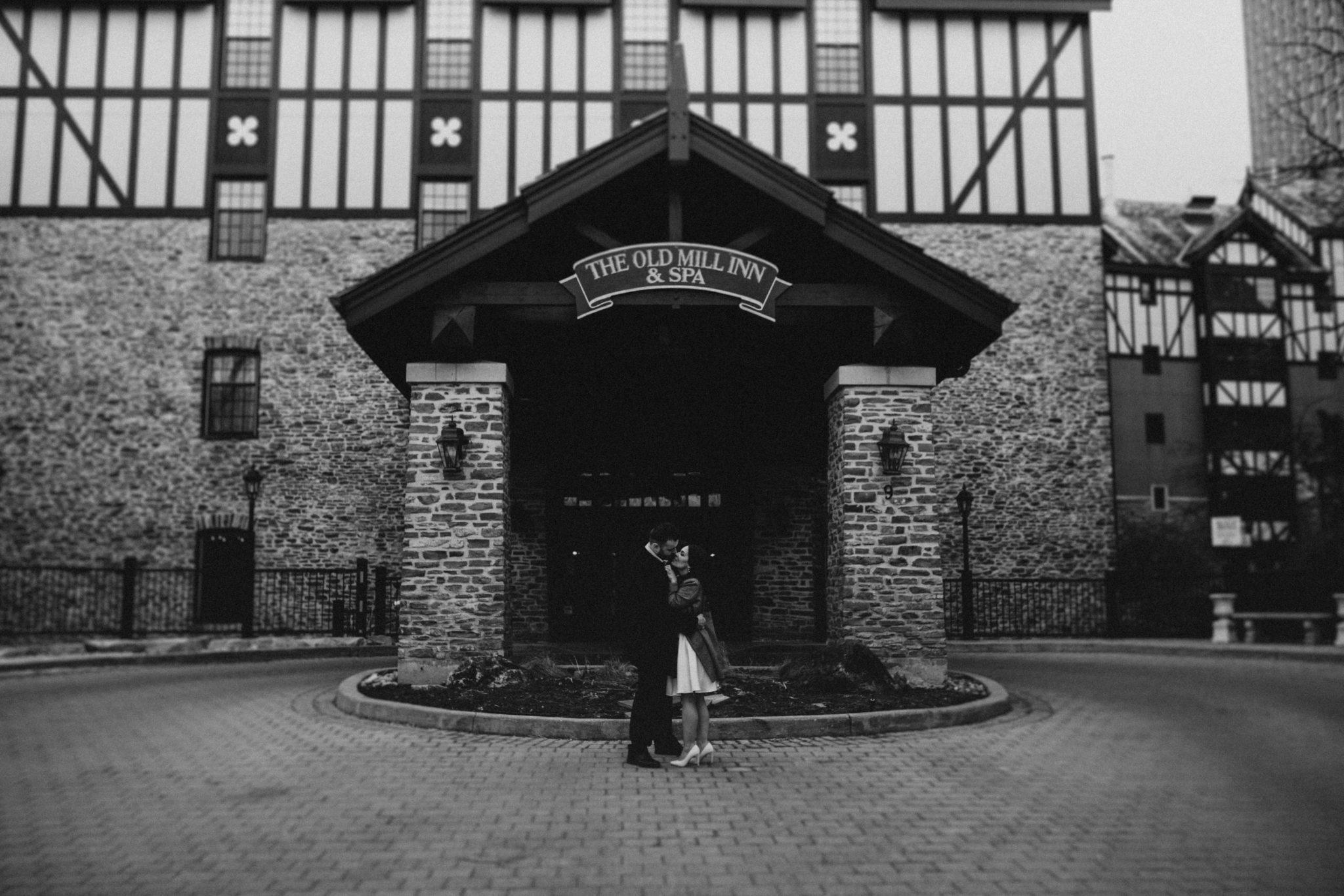Old Mill Toronto outdoor wedding photos
