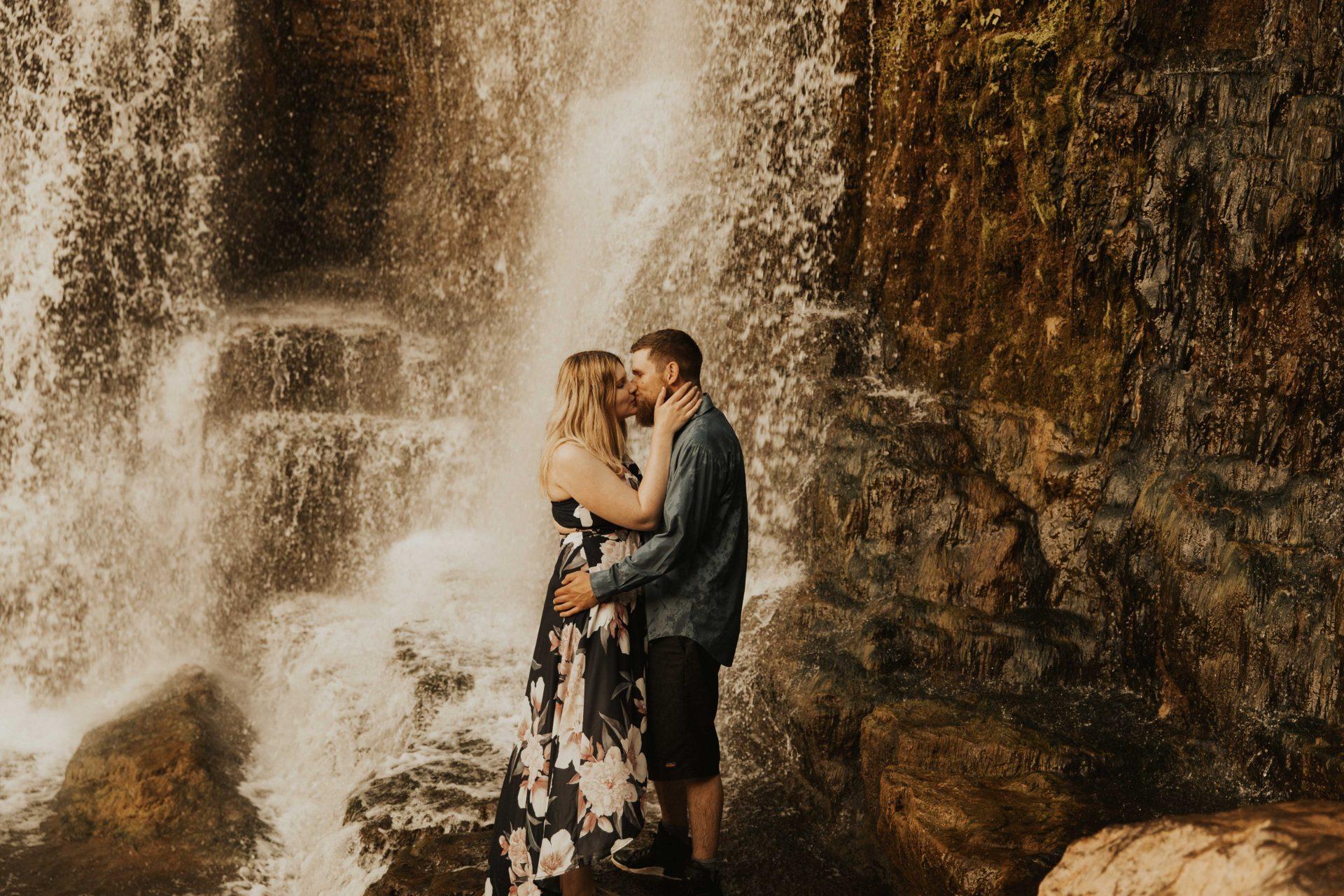 Inglis falls engagement photos
