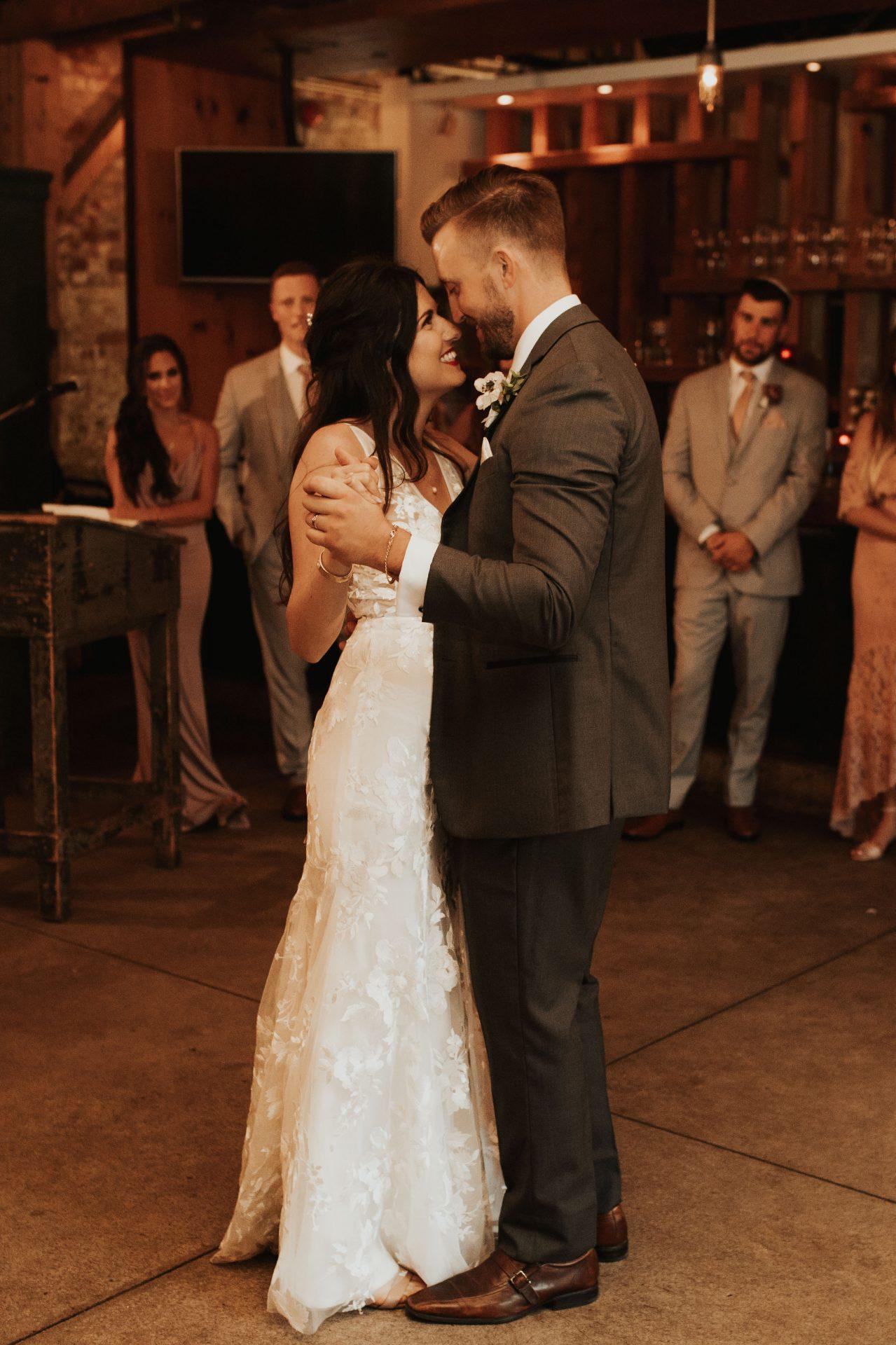 archeo wedding first dance