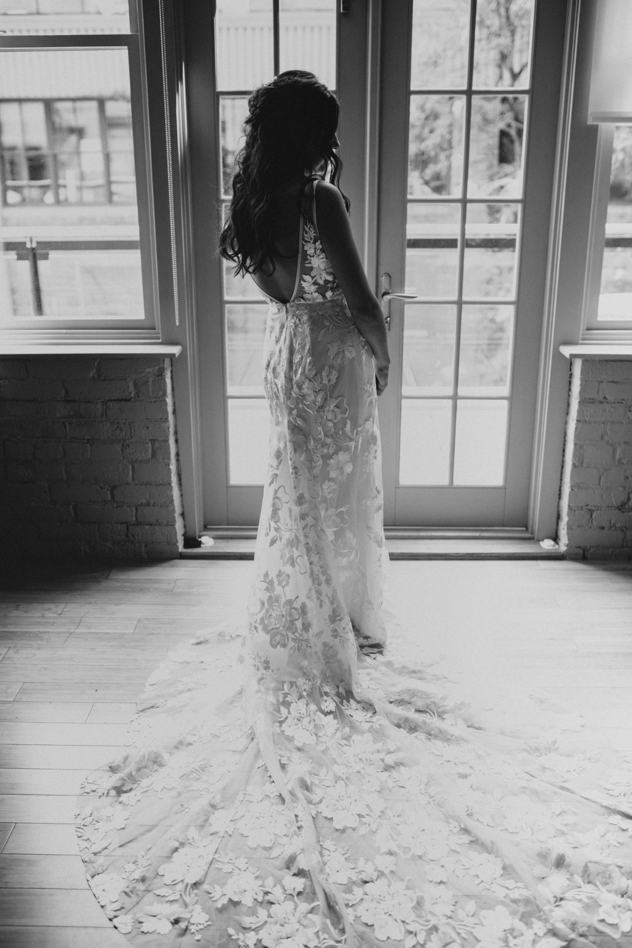 bride getting ready silhouette