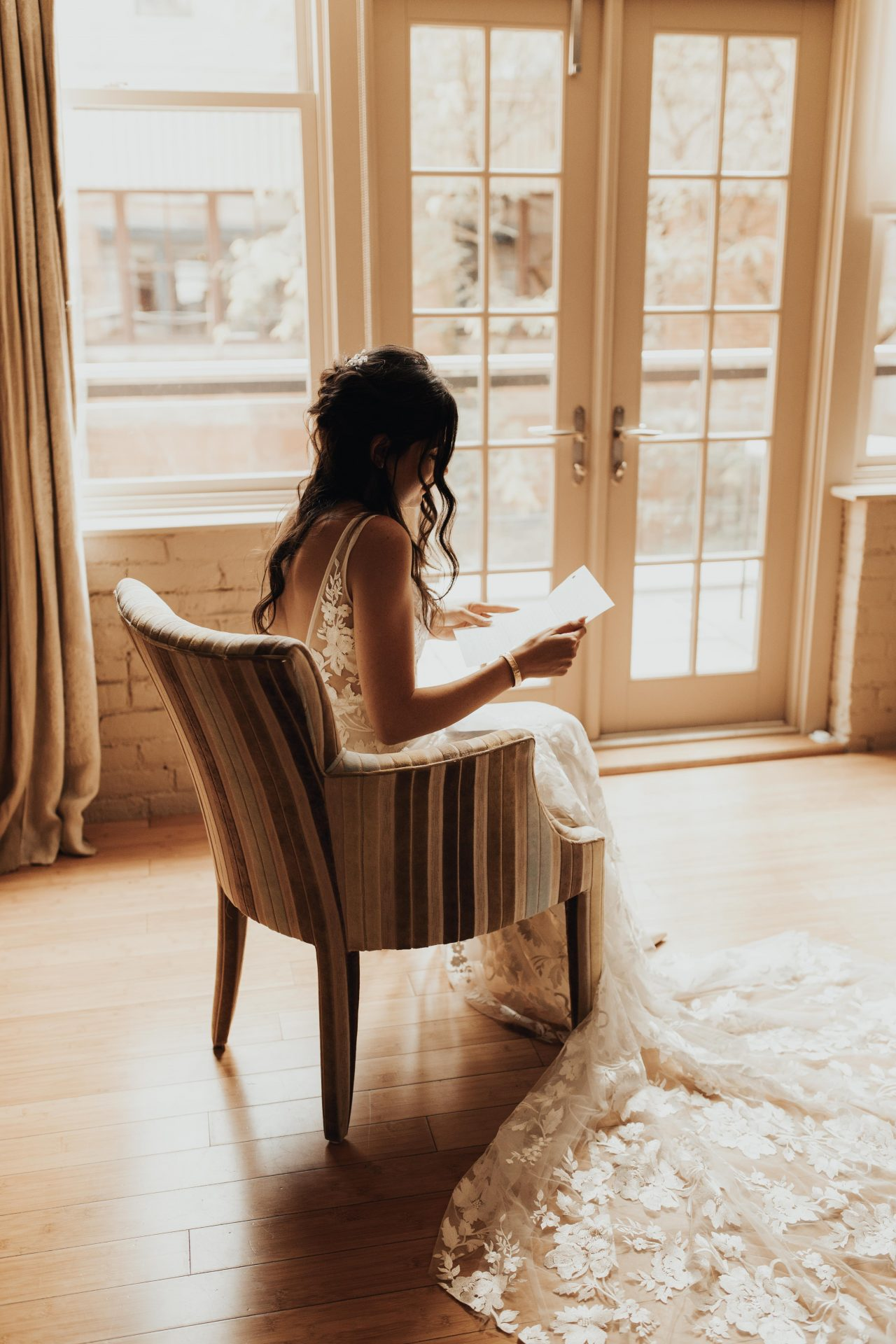 bride reading letter from her husband